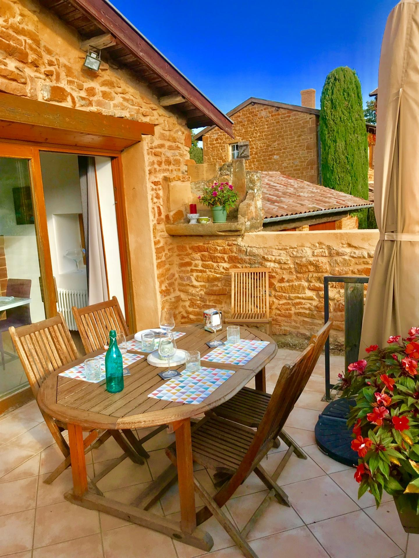 gite-la-parenthese-doree-terrasse1